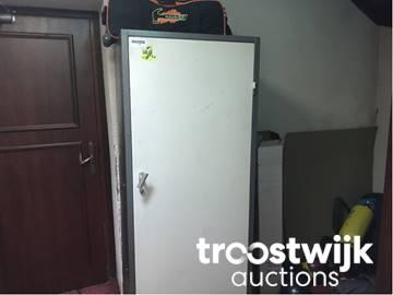 1 Deurs Kast : Stalen 1 deurs kast troostwijk