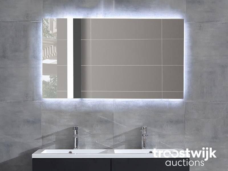 Spiegel Met Verwarming : Luxury wellness lw led sp led spiegel met verwarming troostwijk