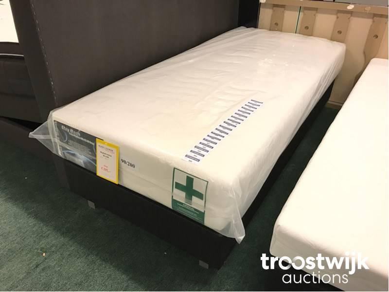 May bach medical boxspring matras troostwijk