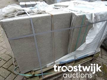 B Keus Tegels : Pallet beton tegels b keus troostwijk