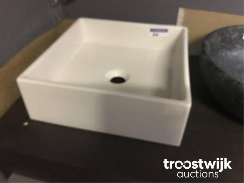 Kleine Waskom Toilet : Opbouw waskom troostwijk