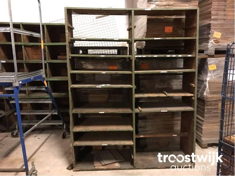 Houten Open Kast : Oude houten open kast houten vintage kast architectenbureau