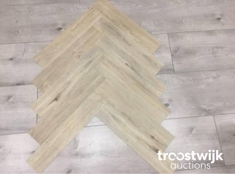 Pvc Vloer Beton : Pvc laminaat vloeren online veiling troostwijk