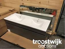 Old English Sanitair.Plumbing Bathroom Furniture And Barbecues Online Auction Troostwijk