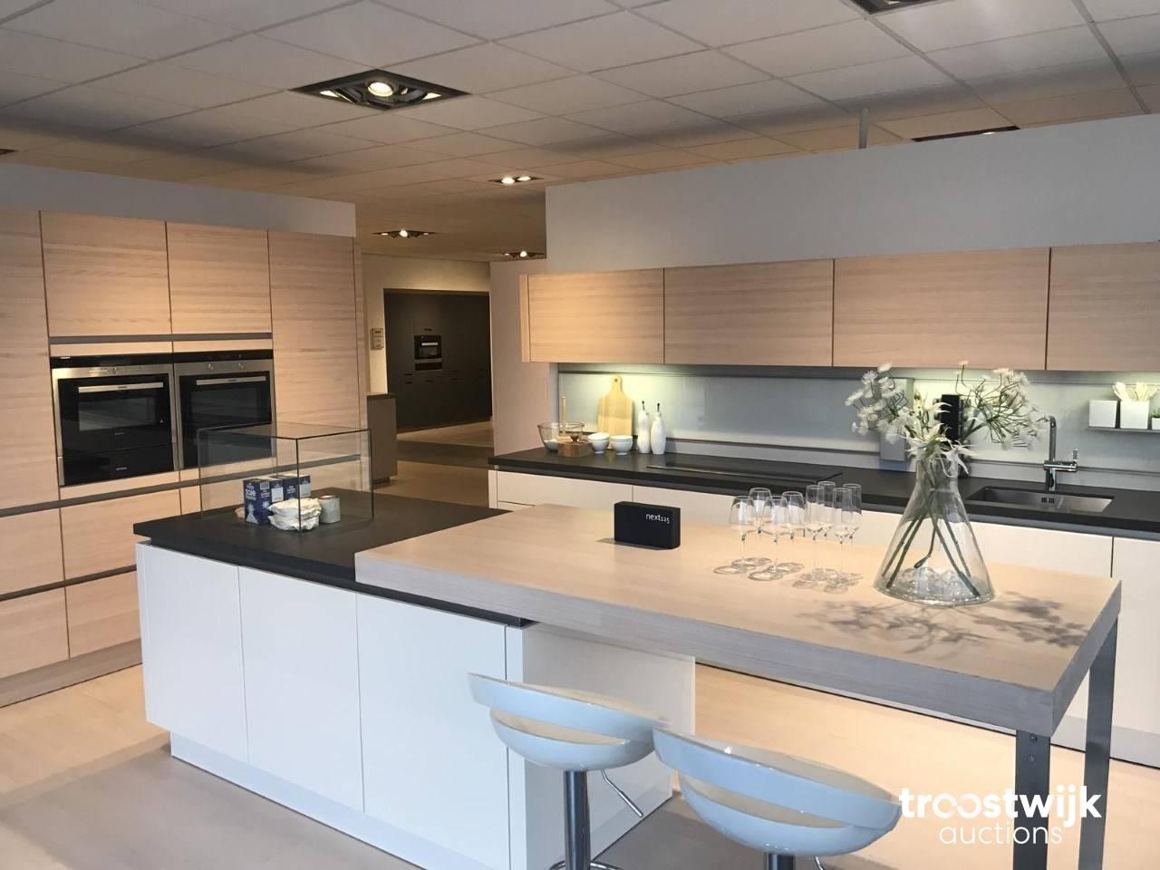 Showroomkeukens fornuizen vaatwassers ovens en magnetrons