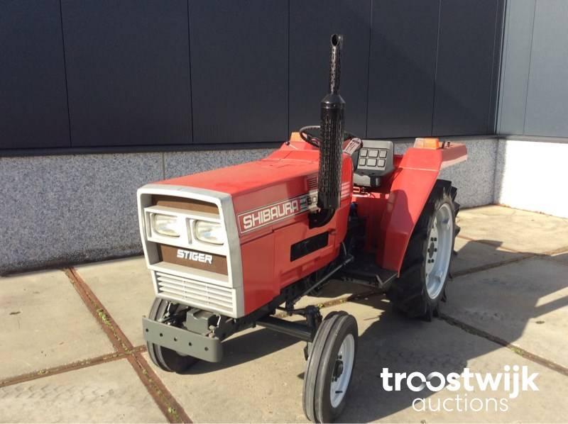compact tractor - Troostwijk