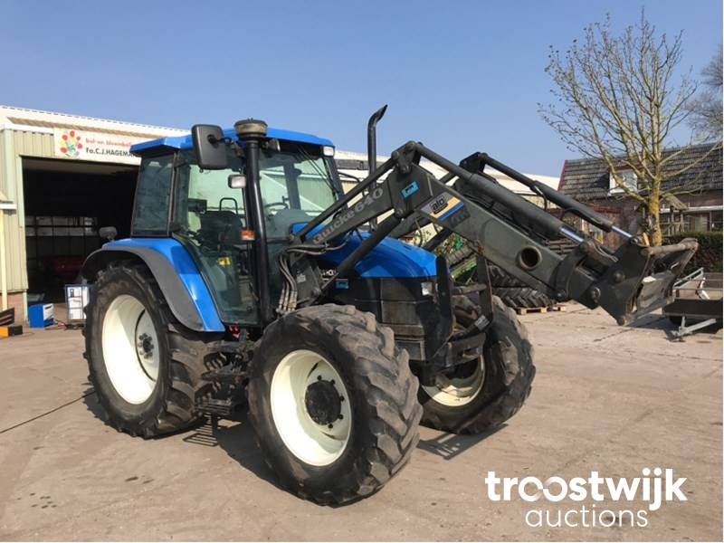 2002 New Holland TS110 four-wheel drive farm tractor - Troostwijk