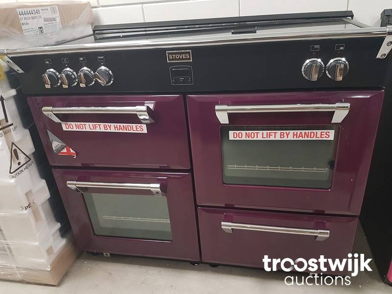 Induction Cooker With 4 Ovens