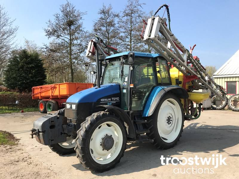 1998 New Holland TS110 four-wheel drive farm tractor - Troostwijk