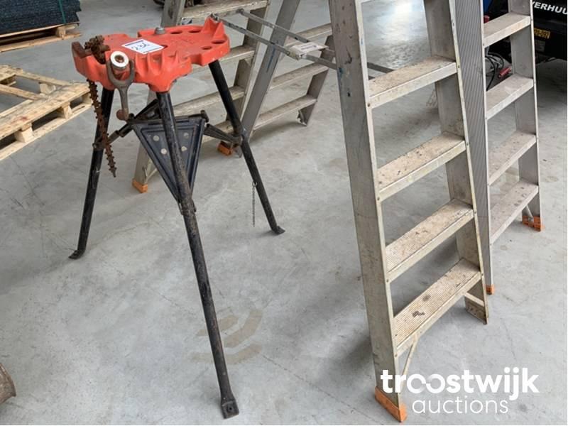 Ridgid Ladders