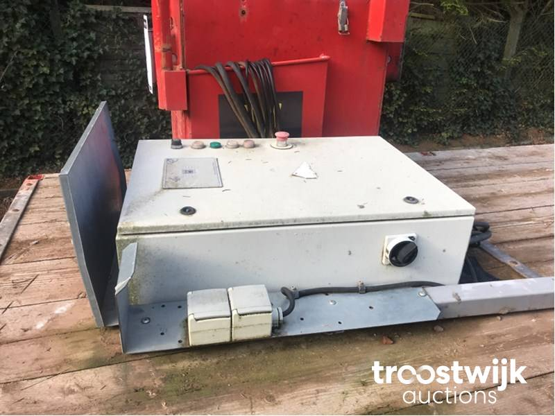 Hek MS5000 electric mobile meter scaffolding - Troostwijk