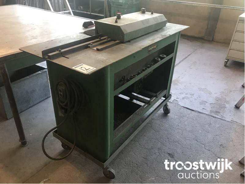 LockFormer Castle molding machine - Troostwijk