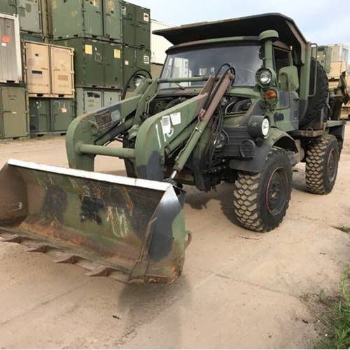 Military Surplus Auction >> American Army Material With Amongst Vehicles Army Materials