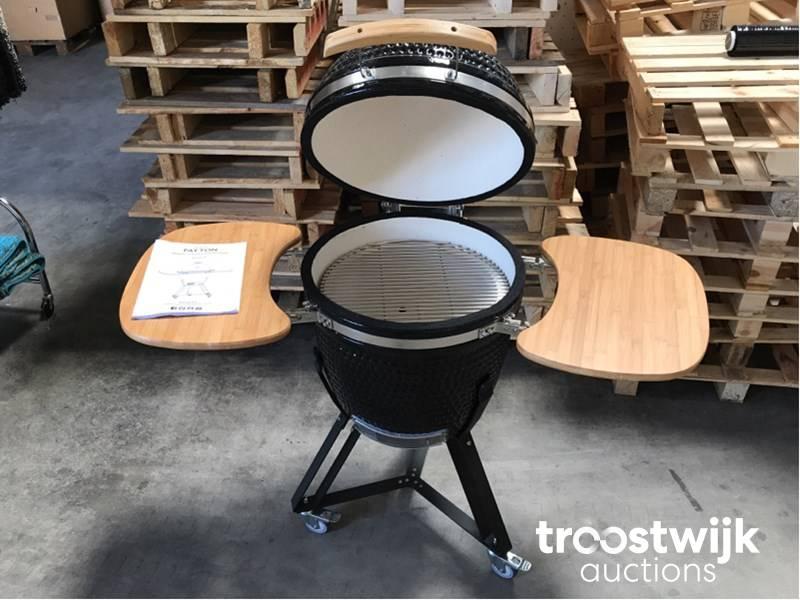 Patton Kamado 21 Inch.Patton Kamado Grill 20 Black Ceramic Barbecue 20 Inches