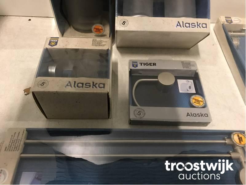 Tiger Alaska various bathroom accessories - Troostwijk