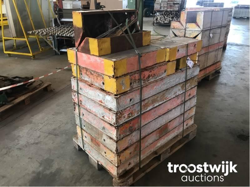 Peri Trio formwork plates - Troostwijk
