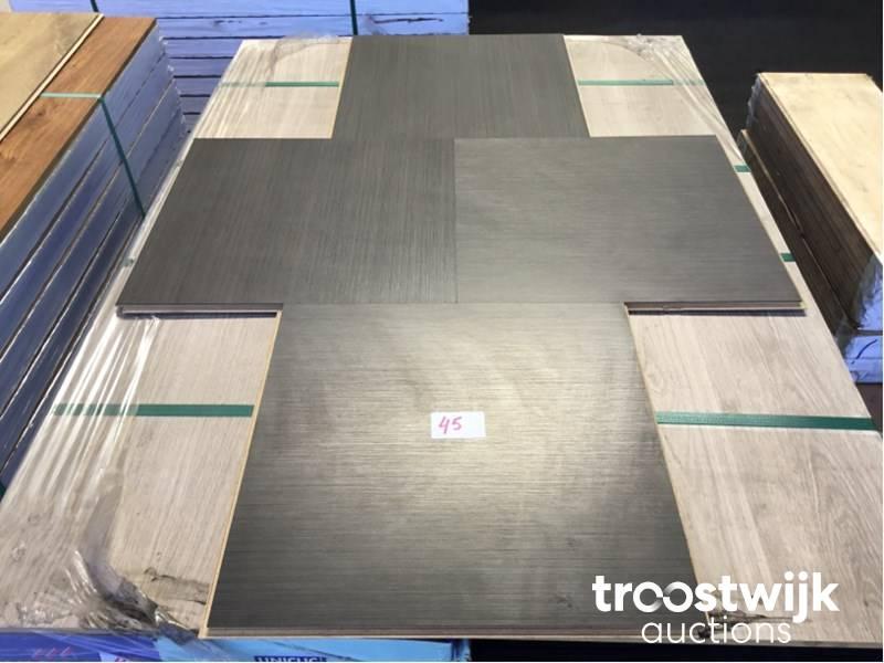 Quick Step Laminate Flooring >> Quick Step 93 18m2 Quick Step Laminate Floor Troostwijk