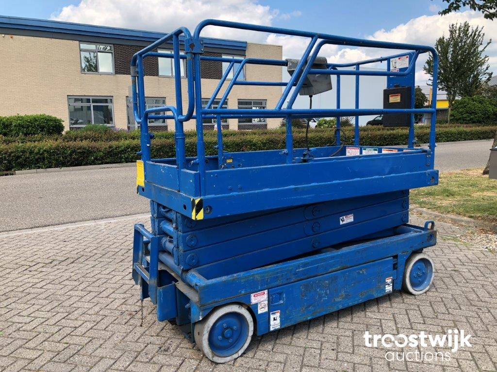 Upright X26 electric scissor boom lift - Troostwijk on upright ul 24 manual, auto repair manual diagrams, cover lift diagrams, upright x20n position safety light, upright scissor lifts operating manuals,