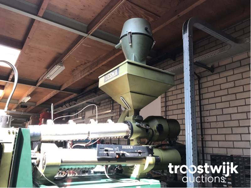 Desma 860/001 rubber injection molding machine - Troostwijk