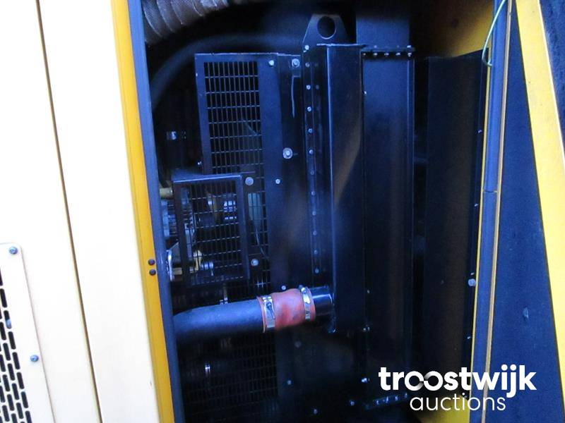 2008 Cat / Olympian XQE 200 - 2 generator - Troostwijk