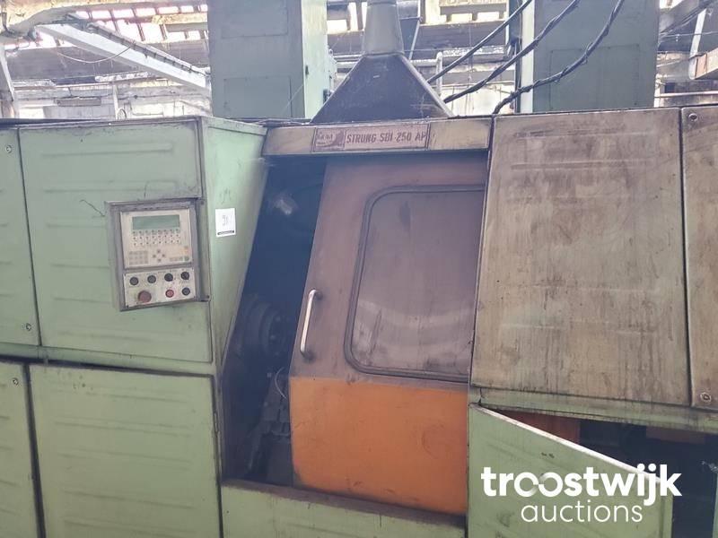 MUM Brasov SBI 250 AP Lathe - Troostwijk
