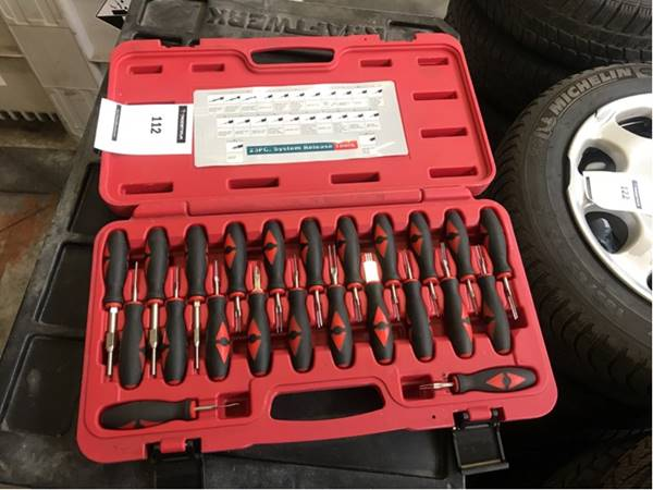 AT8178 plug pin removal kit - Troostwijk