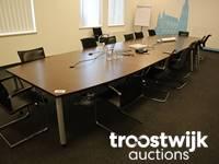 Hochwertige Büromöbel und Meetingraum-Ausstattung
