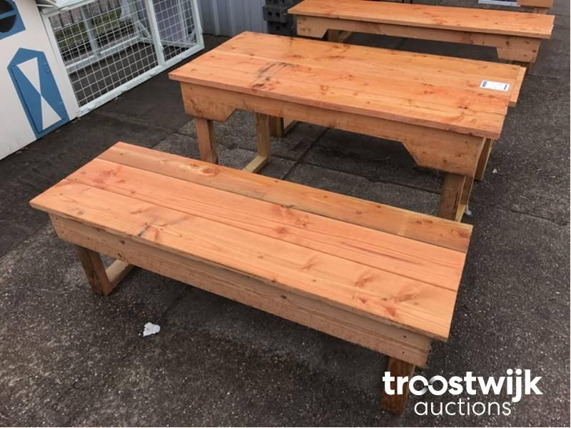 Table De Jardin Avec Bancs Troostwijk