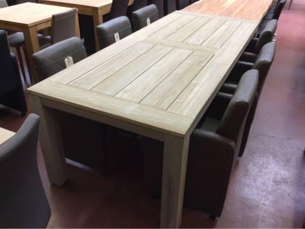 Garden Prestige table de jardin en teck avec pieds en bois ...