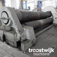 Metallbearbeitungsmaschinen und Fabrikhallenausstattung
