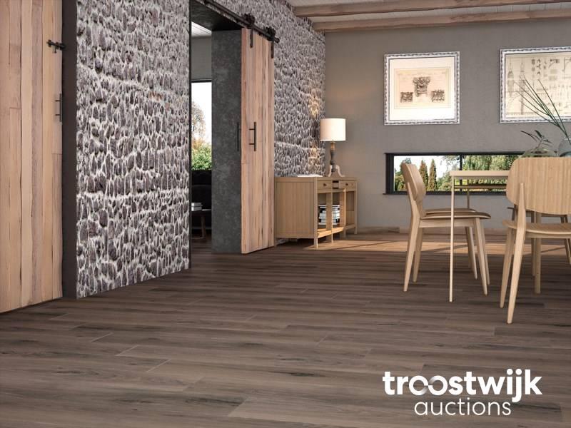 Lot De Carrelage En Ceramique Pour Sol Et Mur 93 60m Troostwijk