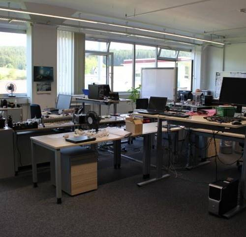 Online Auction Of Laboratory Equipment For Electrical Engineering Office Furniture And Computer Equipment Asta On Line Troostwijk