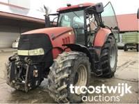 Landwirtschaftliche Geräte und Autos