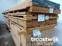 Holzbestände (Eiche, Kirschbaum, Mahagoni u.a.m.)