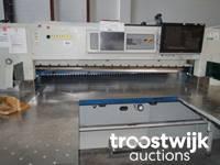 Ausstattung aus Druckvorstufe und Drucknachbearbeitung