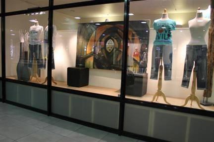 Veiling Glamorous, Fashion, Shop Interior (Kleding en ...