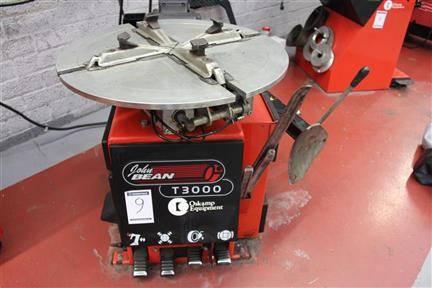 Online veiling Garage apparatuur, personenwagens & gereedschappen  te Vlaardingen