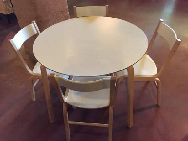 Design Stoelen Enschede.Tafels Met Stoelen Troostwijk