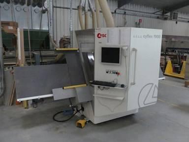 Online veiling Machines de travail du bois aux Treize-Vents (85590)