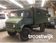 17. military 4x4 communication truck