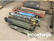 531. various hydraulic cylinders