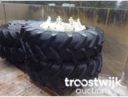 4. duals tyres serving forage harvester