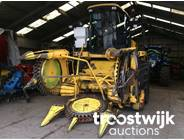 2. 6-row, row-independent rotary crop header