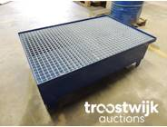 363. Drum Low profile spill containment pallet