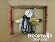 411. Reducing valve