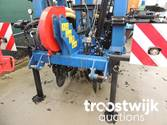 Liquid fertilizer applicator