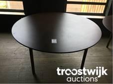 Catering industry licita ie online troostwijk - Grote ronde houten tafel ...